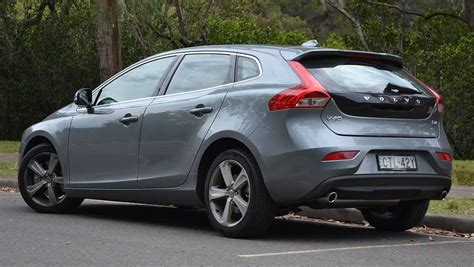 volvo   luxury review carsguide