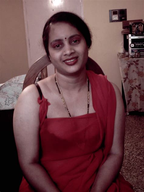 Indian Wife Honeymoon Sex In Removing Bra Panties Saree