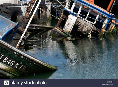 Sinking Boat Cape Town by Sinking Fishing Boat Stock Photos Sinking Fishing Boat