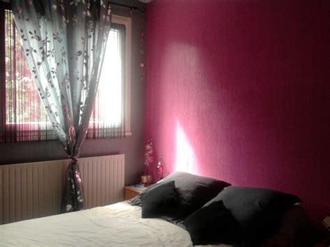 chambre couleur framboise déco chambre chocolat framboise