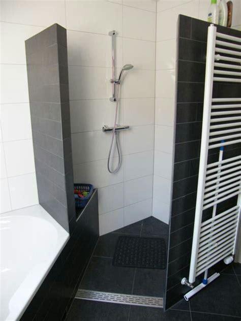 Kleines Bad Platzsparend Einrichten by Platzsparend Und Praktisch Badezimmer Badezimmer