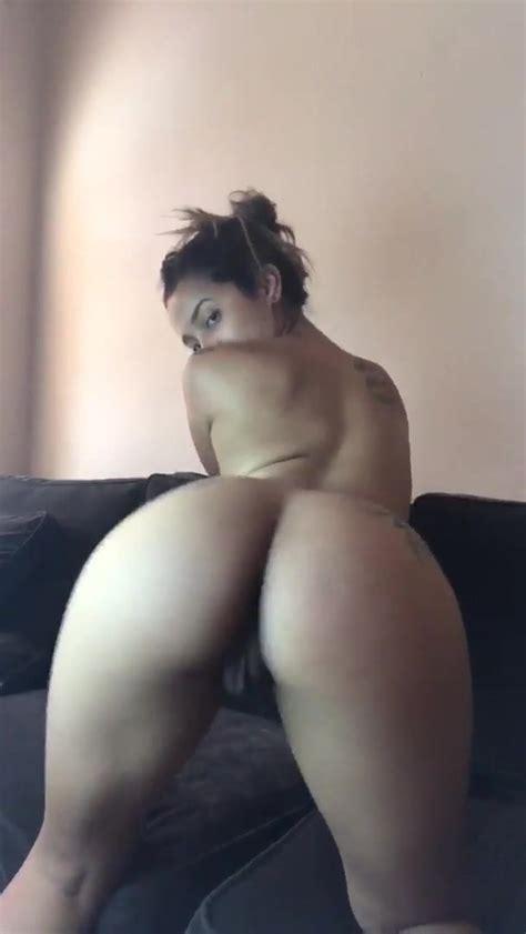 Big Ass Brunette Twerking Nude And Winking Her Asshole