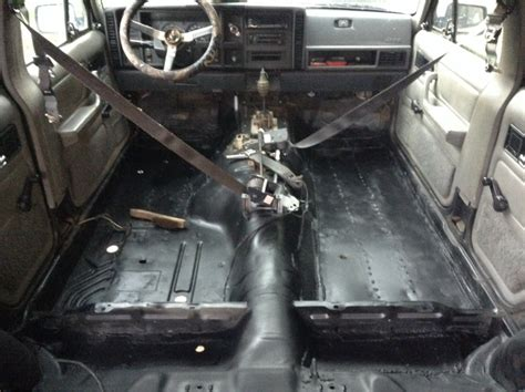 Jeep Xj Floor Pan Install by Jeep Xj Floor Board Rust Repair And Bedlining Page 3