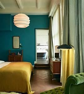Commode Bleu Canard : 1001 id es cr er une d co en bleu et jaune conviviale ~ Teatrodelosmanantiales.com Idées de Décoration