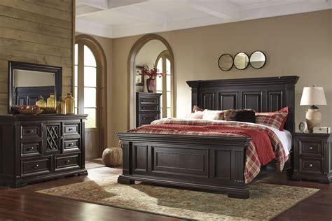 willenburg dark brown panel bedroom set     ashley