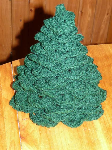 crochet christmas tree pattern finished tree