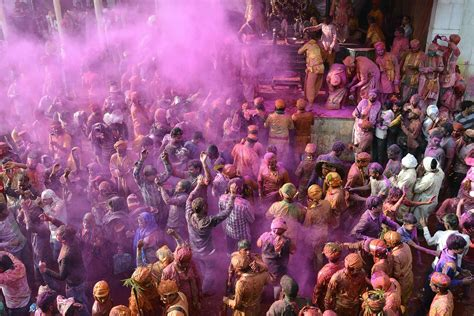 indian color festival holi 2017 when is the festival of colors and how to
