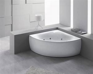 Eckbadewanne Mit Dusche : badewanne f r kleines bad 22 sch ne ideen ~ Markanthonyermac.com Haus und Dekorationen