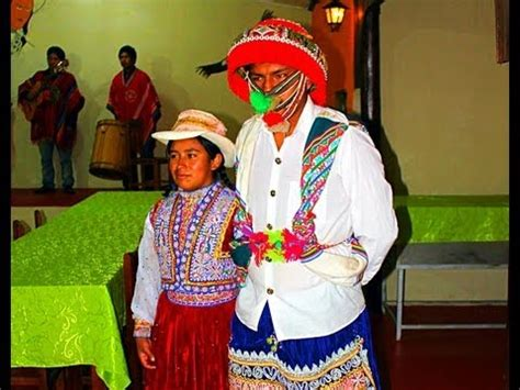 Local musicians are also creating new genres like chicha or peruvian cumbia, which is enabling peru's music to open up to new influences to expand both at home and abroad. Original Inca Music and Dance by Quechua People - Peru - YouTube