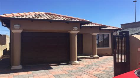 3 Bedroom House for Sale For Sale in Soweto - Home Sell - MR