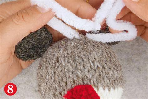 Weihnachtsschmuck Stricken Buchtipp Zauberwerk by Knooking Weihnachtskugeln Rentiere F 252 R Den Christbaum