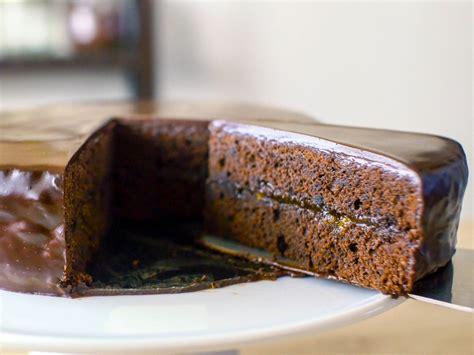 mo cuisine 濃厚なチョコとアプリコットの酸味が美味しいザッハトルテの作り方 emojoie cuisine えもじょわキュイジーヌ