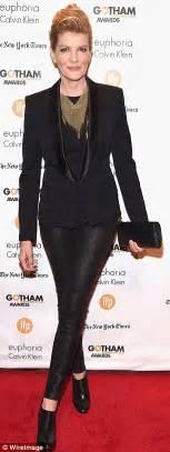 rene russo the intern black dress rene russo 60 shows off her slender legs in black skinny