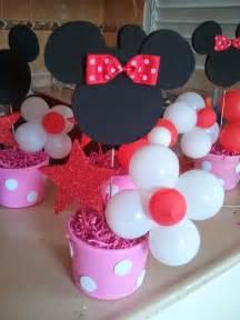 DIY Minnie Mouse Centerpieces