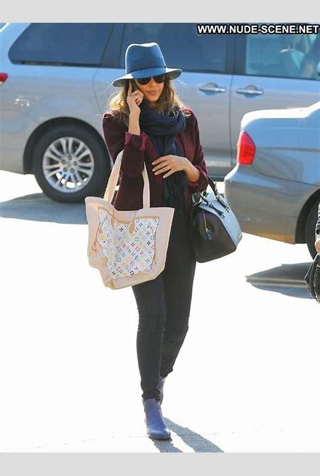 Jessica Alba Shopping Celebrity Beautiful Babe Posing Hot High Resolution Shopping