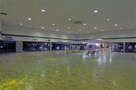 toronto malls    makeovers galleria mall