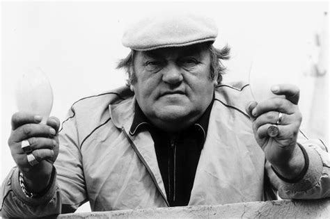 Family of comedian Les Dawson finds unpublished romantic ...