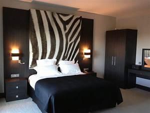 Deco chambre zebre for Affiche chambre bébé avec livraison fleurs saint jean de luz