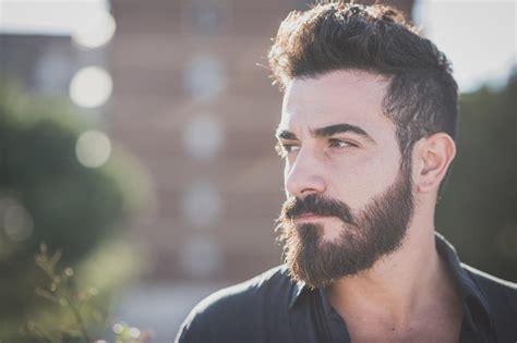 glatze und vollbart einfach attraktiv bart styles die besten trends s health