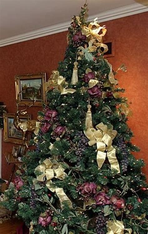 decorate your christmas tree with bows ribbon holidappy