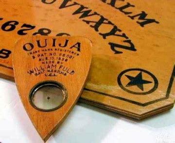 table de ouija la ouija le ordeno que lo hiciera paranormal
