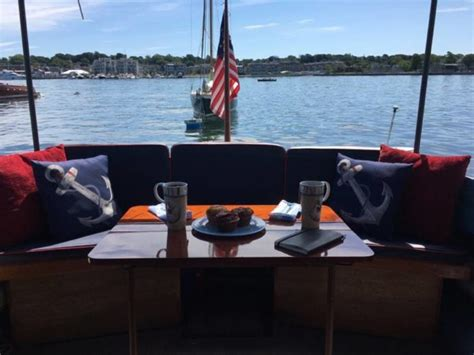 Airbnb Boats Rhode Island by These 7 Rhode Island Boats Are Available For Overnight Stays