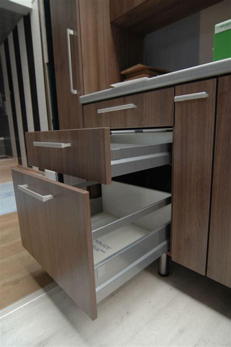 meubelbeslag schuifgeleiders