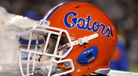 Florida football pauses activities after spike in COVID-19 ...
