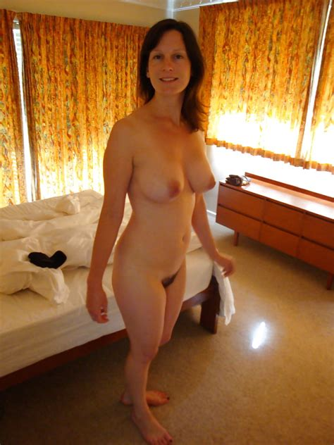 Ordinary Cougar Wives Showing Off Pics Xhamster