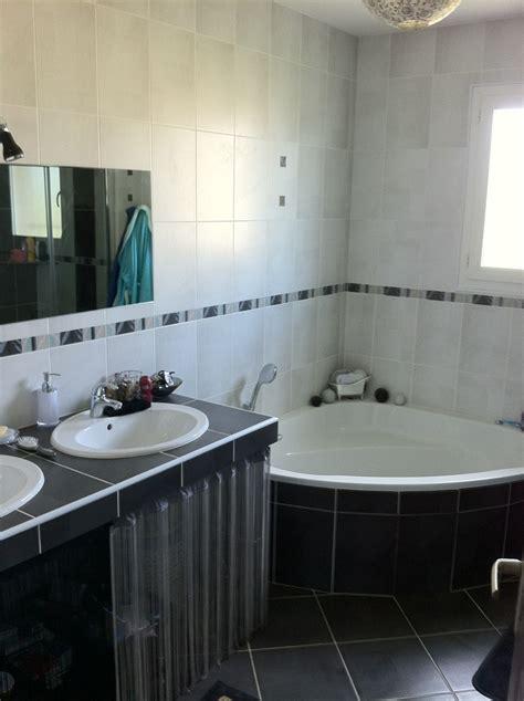 image cuisine blanche la salle de bain villabougue