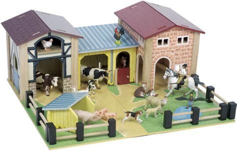 le the farmyard le farmyard tv410 wooden farmyard