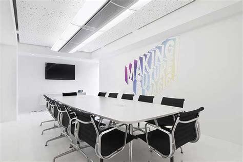 hotel front desk meeting topics diseño de oficinas cómo decorar una sala de reuniones
