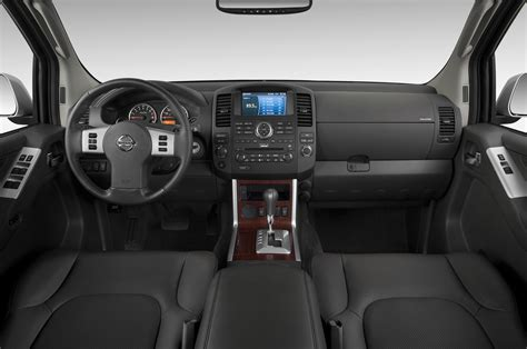 nissan pathfinder interior 2013 nissan pathfinder interior revealed