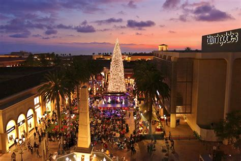 fashion island s annual tree lighting hosted by