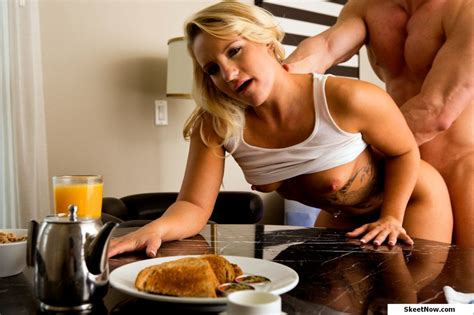 Boning and Breakfast Cali Carter by Skeetnow - XVIDEOS.COM