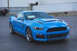 Roush Shows Off Pair Of Grabber Blue Mustangs | Carscoops