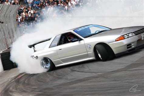 nissan skyline drift wallpaper nissan skyline r32 drift by jackinaboxdesign on deviantart