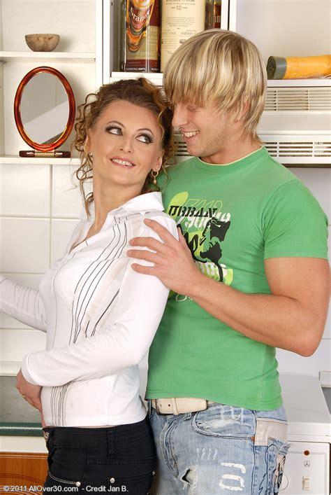 30 year old mom mija from milfs30 getting her older vulva