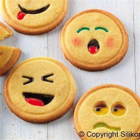 lustige kekse backen silikomart cakes st st01