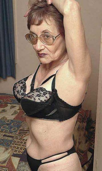 grannyland: ? Grannies ?   black bras   Pinterest   Black