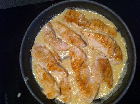 cuisiner blancs de poulet recette de blancs de poulet à la crème d 39 ail compatible