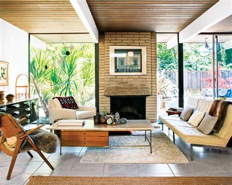 Mid Century Modern Living Room Furniture Ideas Of Light