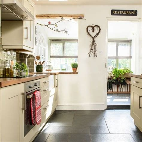 Best 10+ Country Cottage Kitchens Ideas On Pinterest