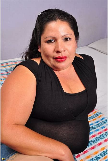 Fun Granny Pics - Mature hairy latina BBW playing alone