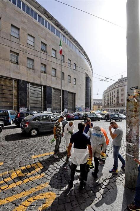 Uffici Postali Napoli - napoli scavano tunnel ed entrano nell ufficio postale