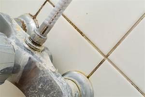 Wie Entfernt Man Kalk Von Fliesen : dusche entkalken so gehen sie dabei vor ~ Indierocktalk.com Haus und Dekorationen