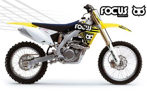 suzuki motocross gear focus apparel raditor shroud graphic kit combo