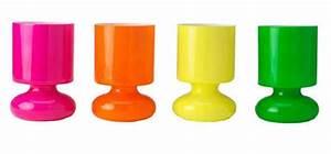 Ikea Lampe De Chevet : des lampes de chevet color es aux tonalit s punchy ~ Carolinahurricanesstore.com Idées de Décoration