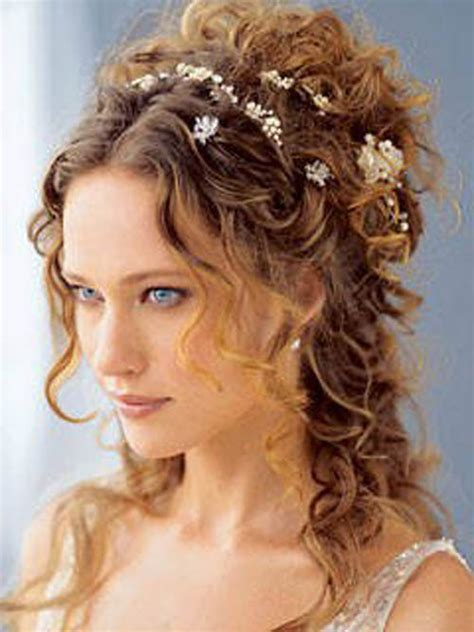 why wedding hairstyles for long curly hair are in vogue