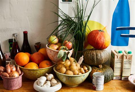 alison roman cooks thanksgiving    small kitchen
